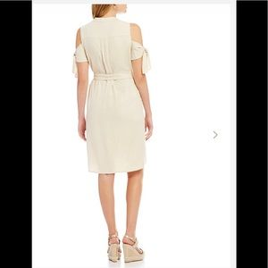ANTONIO MELANI Dresses - 🆕ANTONIO MELANI COLD SHOULDER TWILL DRESS (Sz2)